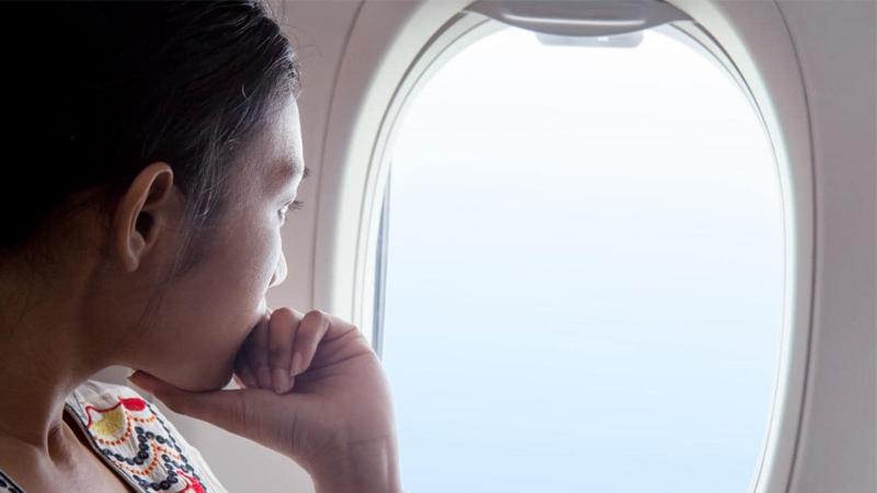 Bí quyết chăm sóc da ngay cả trên máy bay